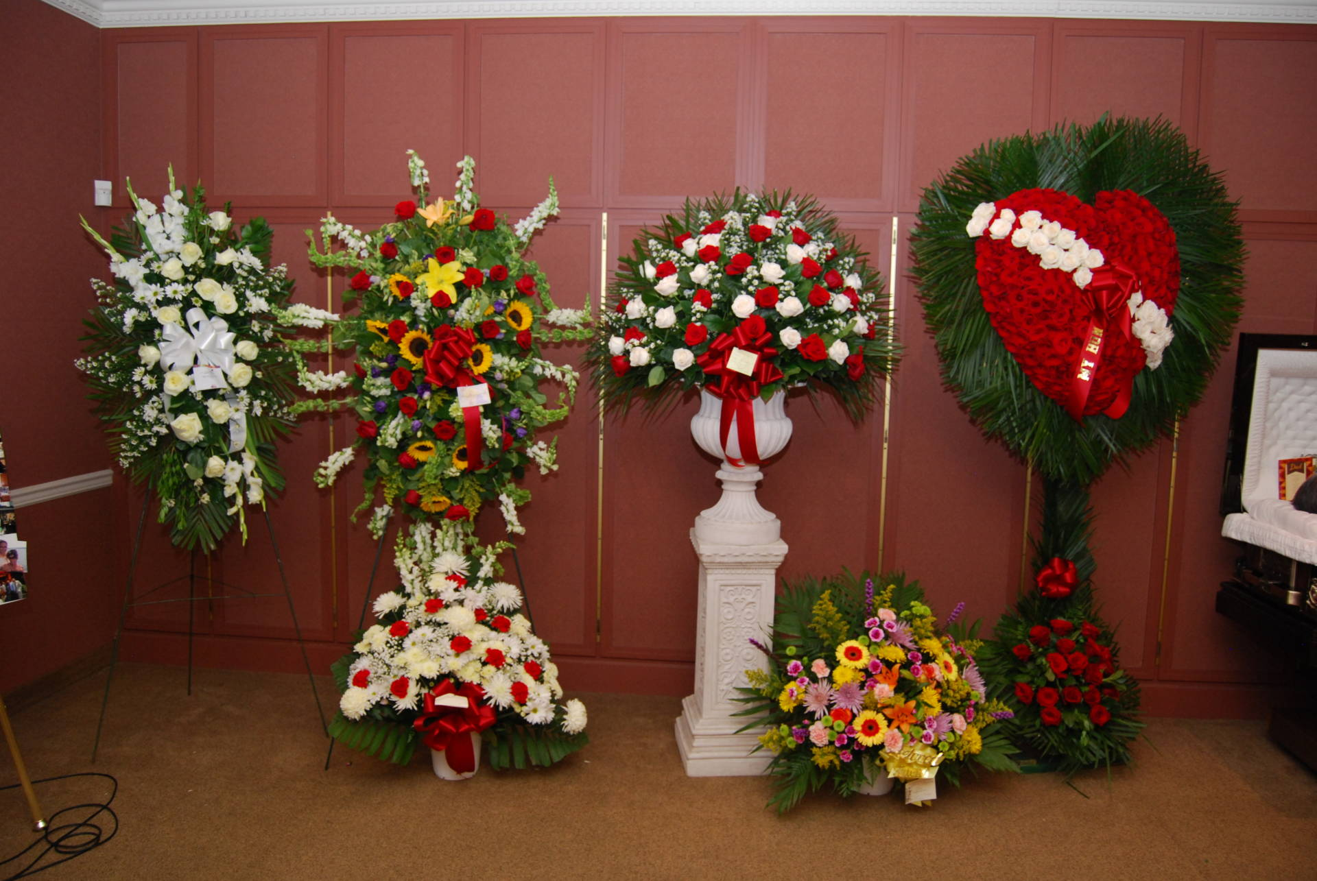 5 important notes on sending funeral flowers matthew florist view larger image izmirmasajfo